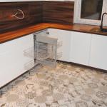 capri praktyczne rozwiązani w kuchni wyjeżdżająca półka