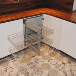capri praktyczne wysuwane półki do zabudowy w narożniku mebli kuchennych