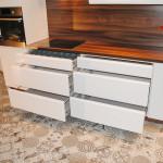 capri przykład zabudowy szuflad w meblach na wymiar