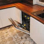 capri ujęcie otwartej zmywarki zabudowanej w meble kuchenne na wymiar