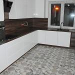 capri widok na meble kuchenne w zabudowie z blatem