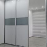 wardrobe duża szafa przesuwna na całą ścianę