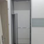 wardrobe miejsce na kurtki i płaszcze w szafie